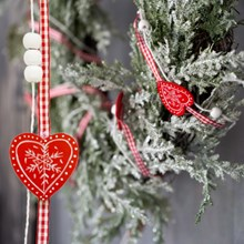 Scandinavian Heart Garland 3123