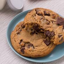 Otis Spunkmeyer Ready-to-Eat Chocolate Chunk Cookies 8PK 1091